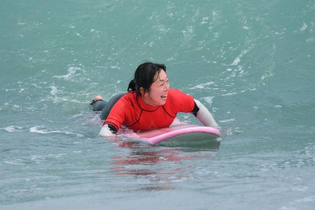 【静岡・サーフィン体験】初心者もしっかり指導!インカム付きで安心のサーフィン体験