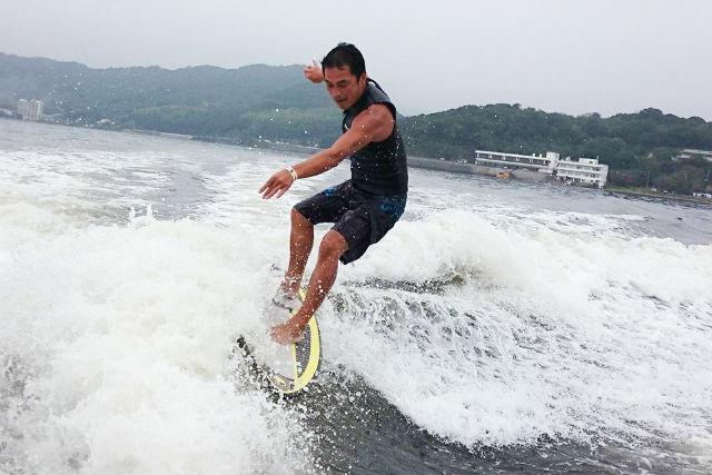 【静岡・浜名湖・ウェイクサーフィン】マリンスポーツの聖地!浜名湖でウェイクサーフィン
