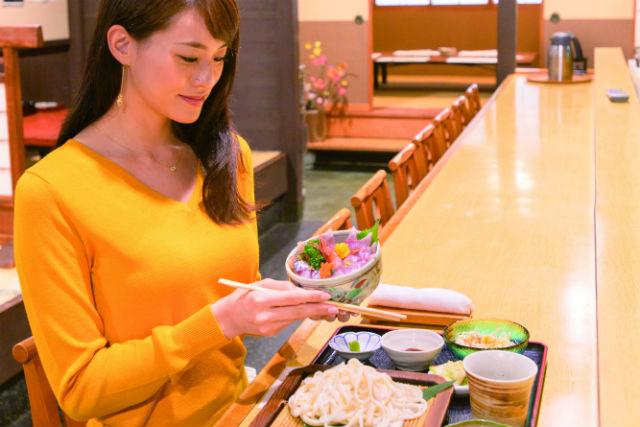 【富山・氷見市・ガイドツアー】氷見の朝獲れ海鮮ランチ&食べあるきの旅