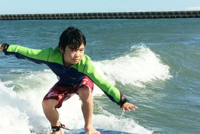 【徳島市・サーフィン】初めてでもテイクオフできる!サーフィンスクール