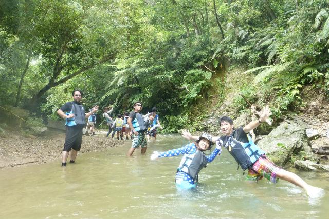 【沖縄・恩納村・釣り体験】ジャングルを進もう!ター滝トレッキング