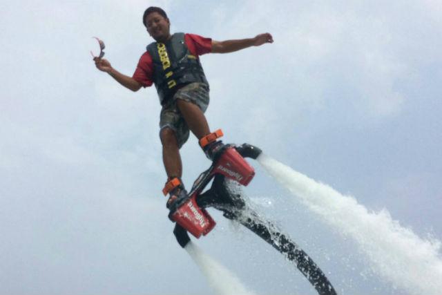 【沖縄・恩納村・マリンスポーツ】フライボード遊び放題コース