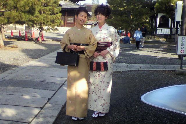 【京都市・着付け】お好きな着物をご持参ください。出張着付けプラン