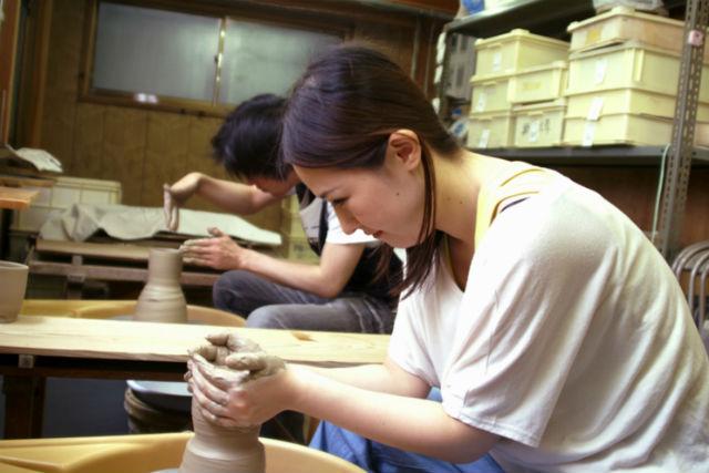 【京都・宇治市・陶芸体験】自分の作りたいものに挑戦!電動ろくろ体験