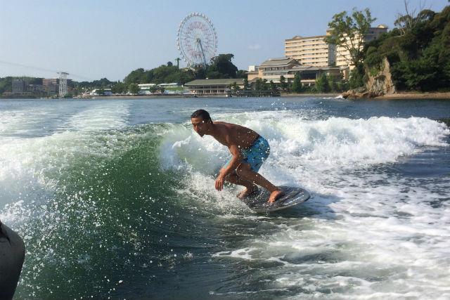 【静岡・浜名湖・ウェイクサーフィン】浜名湖で波乗りしよう!ウェイクサーフィン