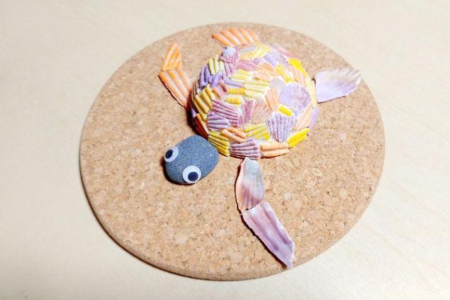 【大分・佐伯市・マリンクラフト】佐伯市特産のヒオウギ貝を使用!カラフルなカメを作ろう