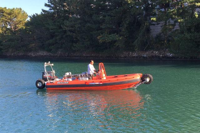 【静岡・浜松市・クルージング】日本に一台しかない水陸両用車で、浜名湖をクルージング!