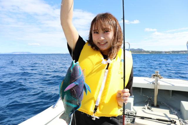 【沖縄・恩納村・釣り体験】うみんちゅがご案内!お手軽・沖釣り体験(2時間)