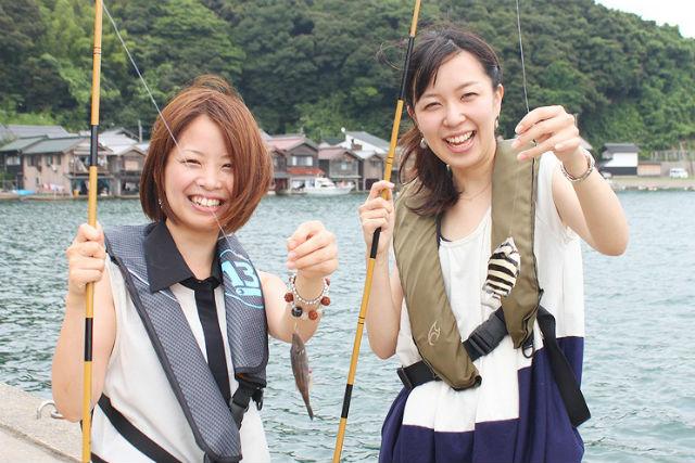 【京都・伊根町・釣り体験】舟屋の町並みを見ながら!伊根の釣り体験