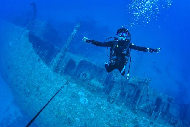 【沖縄・恩納村・ファンダイビング】沈没船・USSエモンズを見に行こう!古宇利島・ファンダイビング(2ボート)