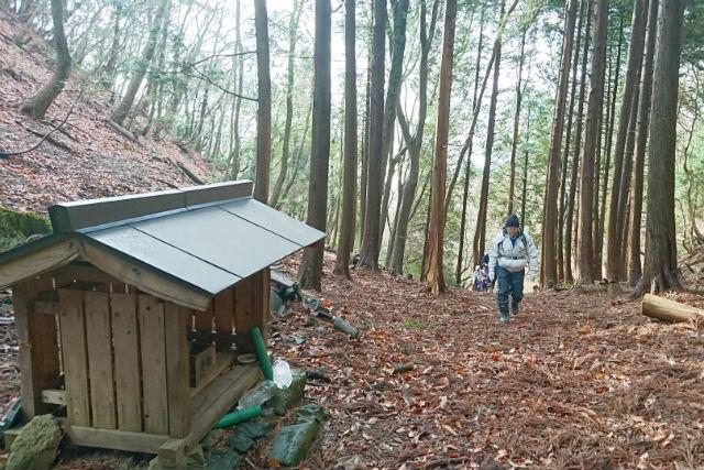和泉式部が歩いた道を巡る 毛原の峠越え