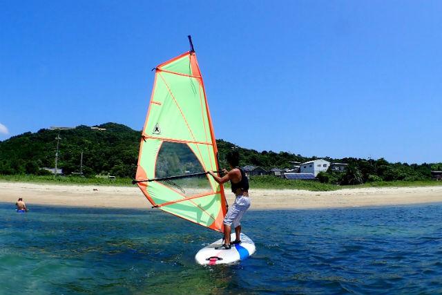 【山口・ウインドサーフィン体験】風に乗り自然と一体になりましょう!ウインドサーフィン体験