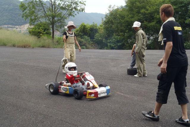 【岡山県・和気郡・ゴーカート】ちびっ子レーサーになろう!キッズカート体験