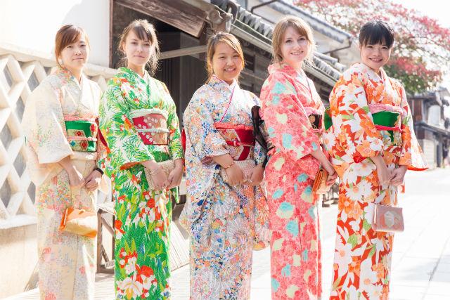 【広島・着物レンタル】江戸時代の町並みを散策。着物レンタルプラン(女性限定)