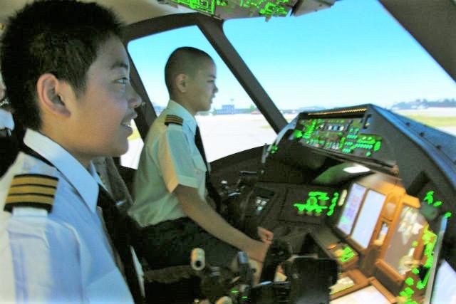 【品川・フライトシミュレーター】初めてのパイロット体験!アミューズメントプラン(15分・キッズ限定)