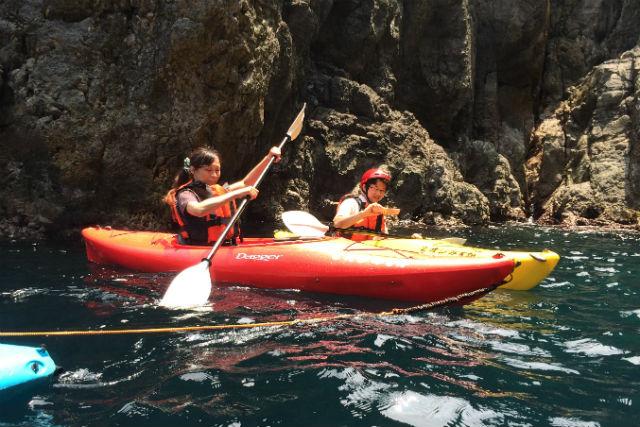 【兵庫・カヤック】カヤックでウキウキ、香住の海をハイキング(京阪神から日帰り可能!)