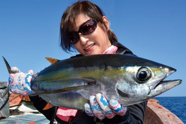 【沖縄・釣り体験】自分で釣って食べよう!お手軽マグロ釣りプラン