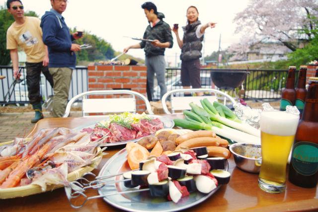【静岡・伊東市・BBQ】地元の食材をたっぷりご用意!広大な農園でBBQ