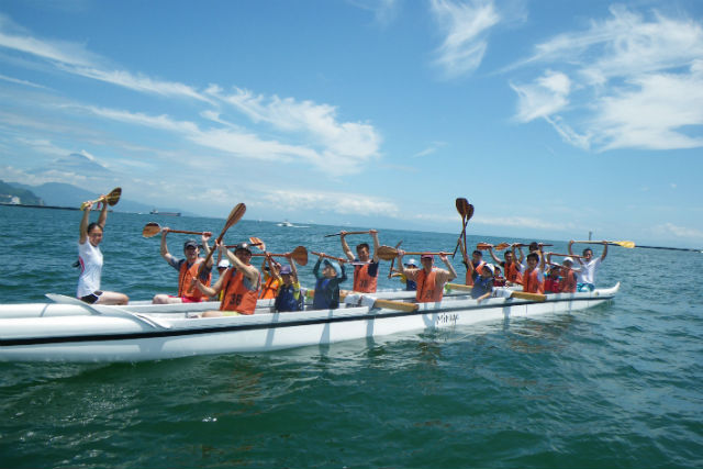 【静岡市・カヌー】アウトリガーカヌーを体験!力を合わせて漕ぎ進もう