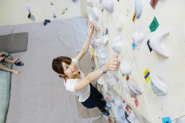 【大阪・八尾市・ボルダリング】木登り感覚で楽しめる!ボルダリング体験