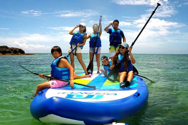 【沖縄・宮古島・SUP】BIG SUPに乗ろう!力を合わせてパドリング