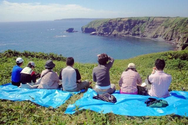 【北海道・無人島ツアー】港から約10分!絶景の連続に感動の無人島ツアー