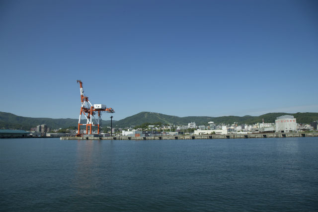 【北海道・小樽・クルージング】倉庫群や歴史的建造物が見どころ!運河・港内コース