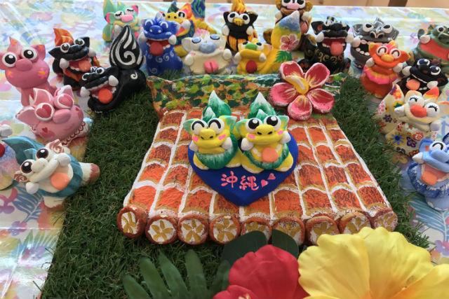 【沖縄・名護・シーサー作り】かわいいペアのシーサーが完成!絵付け体験・台付きペアコース