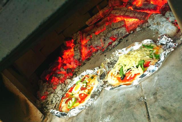 【宮城・料理体験】オリジナルのトッピングが楽しい!本格石窯焼きピザを作ろう