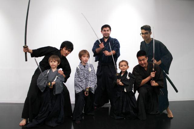 【東京・新宿・武道体験】殺陣教室でサムライ体験!プロの殺陣師が教えます