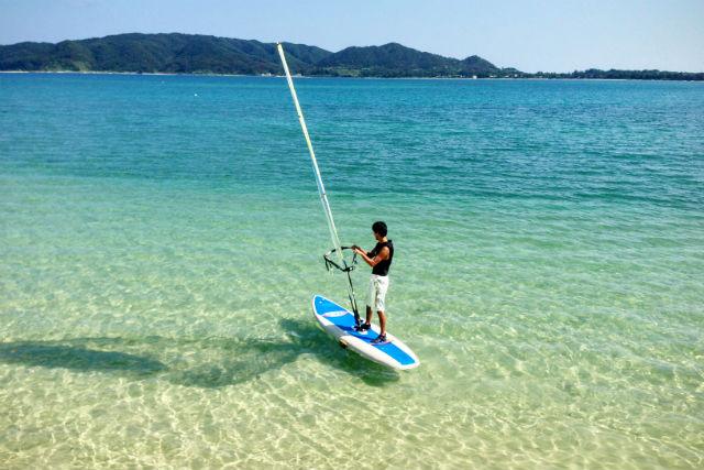 【奄美大島・ウインドサーフィン】奄美の自然をダイレクトに感じよう!静かなビーチで・初心者1回体験