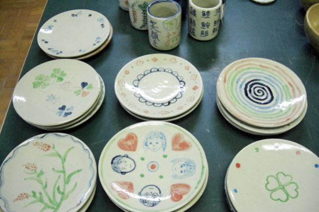 【島根・松江市・陶芸体験】白い陶器にお絵かき!絵付け体験(コップorお皿)