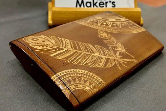 【兵庫・神戸・木工体験】レーザーカッターで彫刻!木製名刺ケースをデザインしよう!