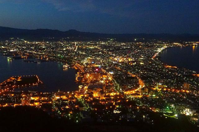 【函館・ガイドツアー】幻想に包まれる夕暮れ。ロマンチック元町街歩きツアー