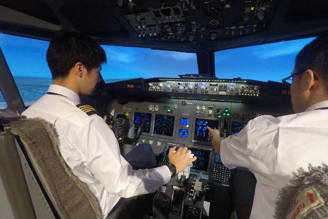 【神戸・操縦体験】セスナ&ボーイングが操縦できる贅沢プラン!(30分&30分・初回限定)