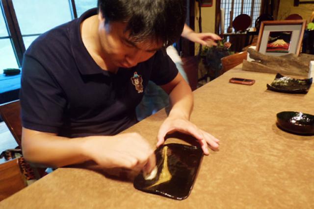 【宮城・大崎市・伝統工芸体験】プロの職人が指導します!漆絵付け体験・お皿(ランチ付)