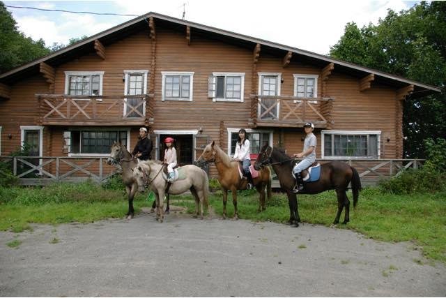 【北海道】馬場での練習付き。外乗Bコース(150分)