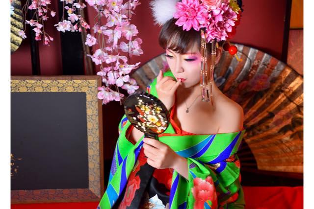 【石川・金沢・変身写真】8カットの中から3枚選べる!華やかに変身花魁体験プラン(竹)