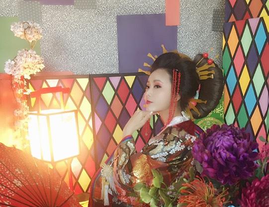 【東京・足立区・花魁体験】豪華絢爛なNeo花魁に変身!2L判写真3枚アルバム付き