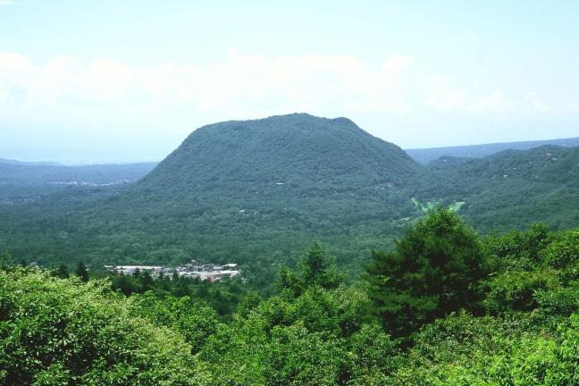 【長野・軽井沢】テーブルマウンテン離山・トレッキングツアー(3時間30分)