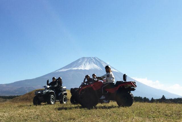 【静岡・裾野市】富士山を見ながらバギーを操作!御殿場・裾野・大野路コース(記念撮影含む・30分)