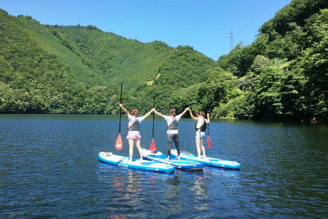 【群馬・みなかみ】洞元湖をツーリング!SUP体験(写真撮影付き)