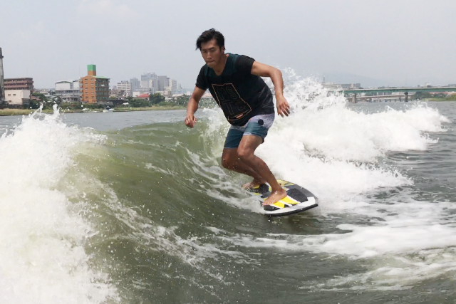 【岡山市】プロのインストラクターが指導!ウェイクサーフィン体験