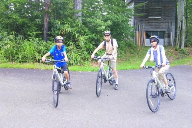 【新潟・サイクリング】高原で森林浴!トレッキング&サイクリング90分プラン