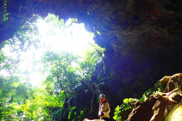【沖縄・西表島・SUP】マングローブで水上散歩&地底探検へ!SUP+鍾乳洞探検(写真撮影付)