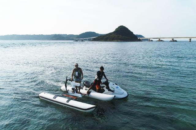 【山口・下関市・マリンスポーツ】角島大橋を見上げながら!水上サイクリング