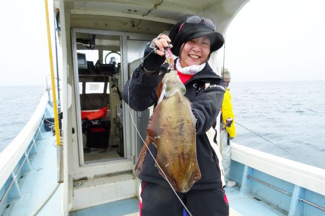 【大分・海釣り体験】エギング(イカ釣り)8時間