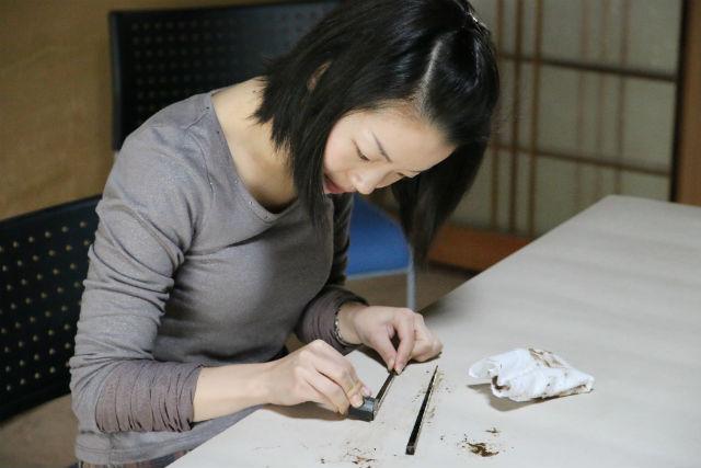 【滋賀・彦根市・伝統工芸体験】漆塗り箸作り&仏壇職人の工房見学