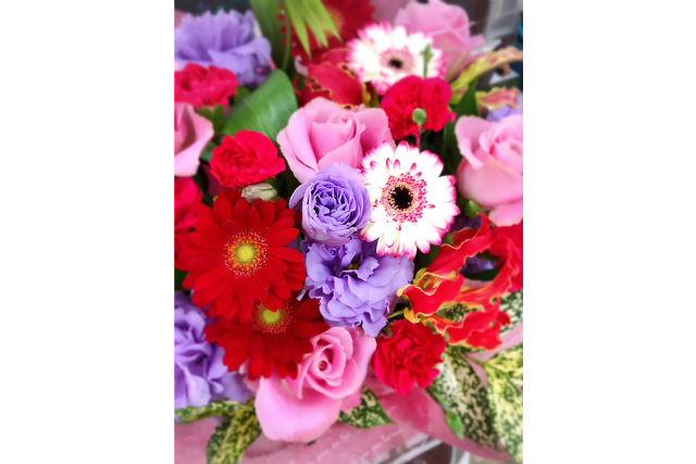 【茨城・筑西・フラワーアレンジメント教室】生花の香り束ねる!フラワーアレンジメント体験