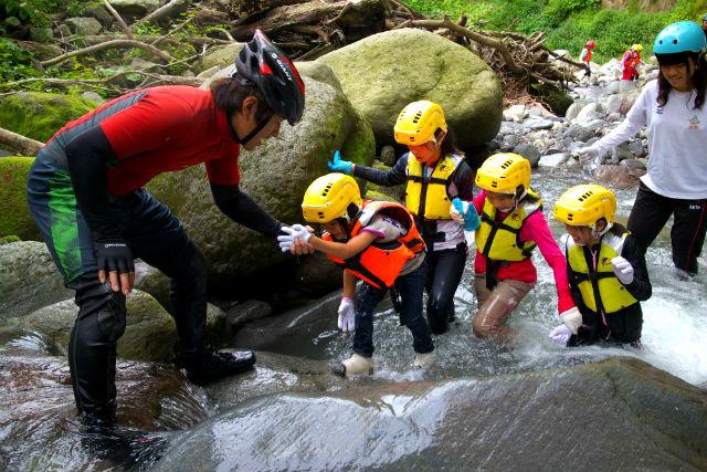 【鳥取・大山・シャワークライミング】家族や友達と楽しもう!初心者向けコース